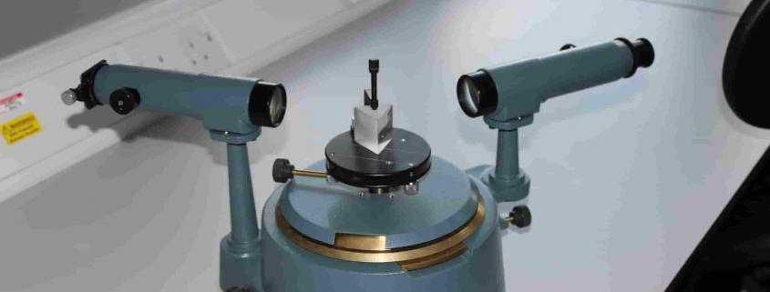 spektrometer adalah